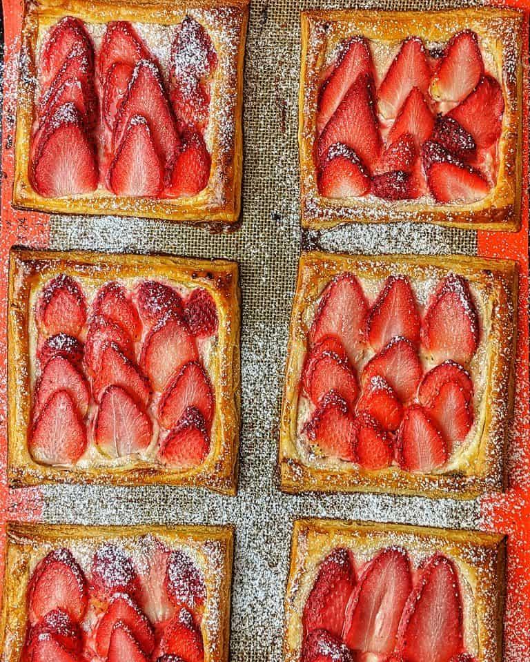 Erdbeer-Blätterteig Teilchen