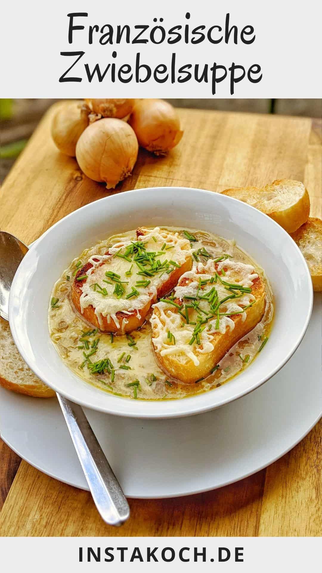Eine Suppenschale mit französischer Zwiebelsuppe