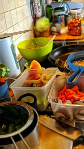 Zubereitung des Gerichts in der Küche