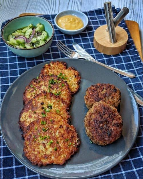 Röstitaler mit Zwiebel und Speck Füllung – Reibekuchen – Kartoffelpuffer