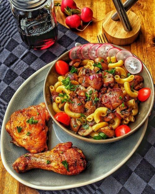 Pasta mit Pilzen und Huhn