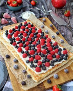 Blätterteigtarte mit Mascarpone-Creme und Früchten