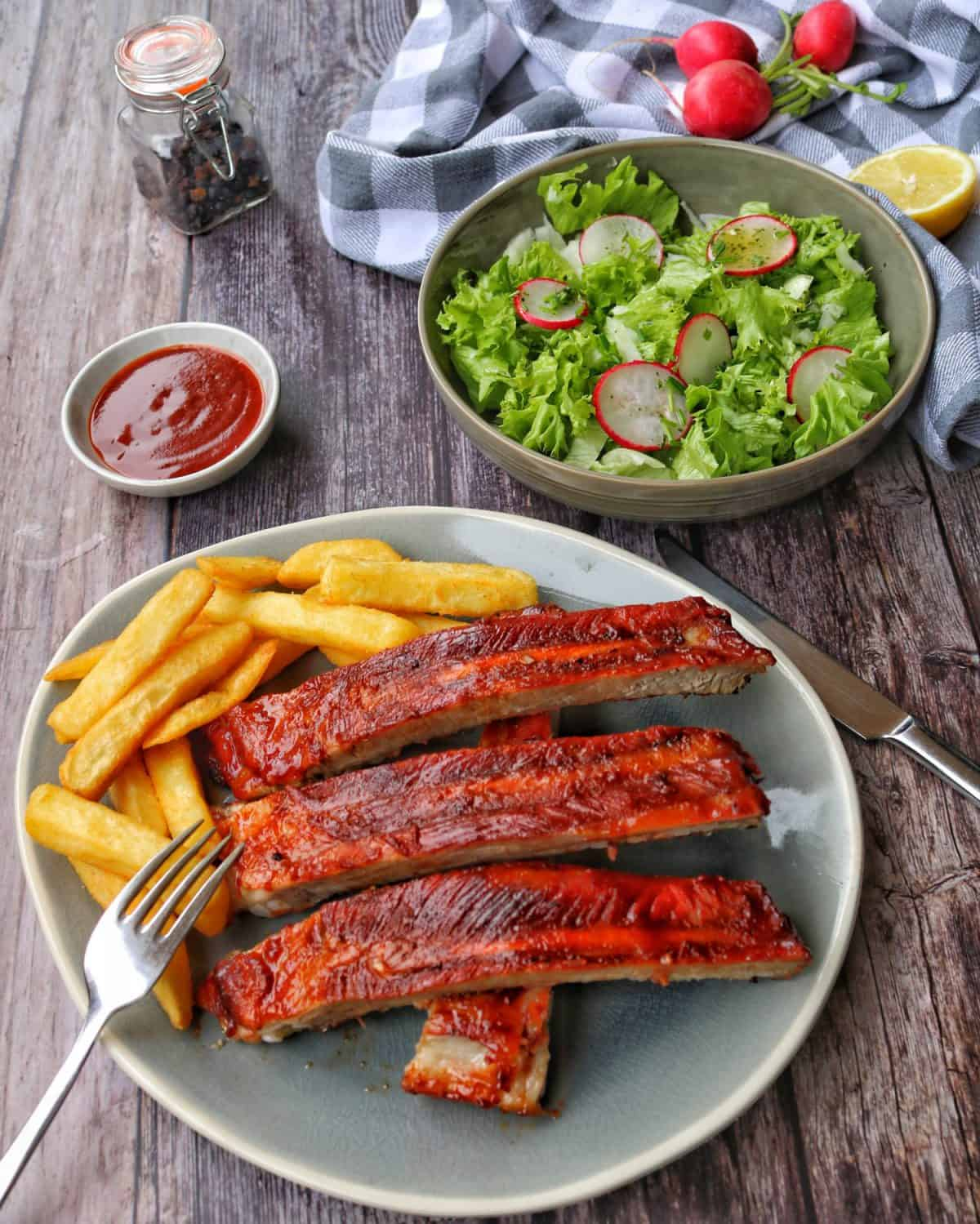 Read more about the article Spareribs vom Grill oder aus dem Ofen
