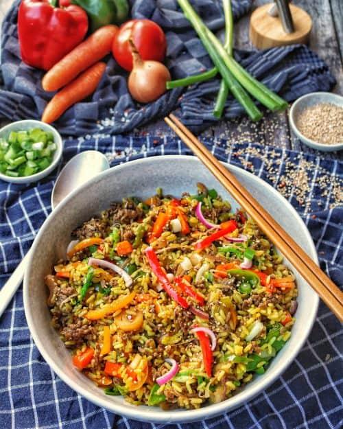 Asia Reispfanne mit Gemüse und Rinderhack