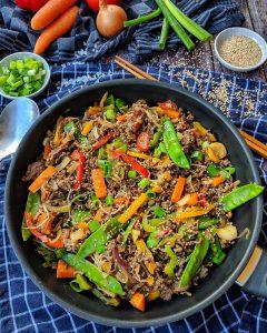 Low-Carb Gemüsepfanne mit Hack