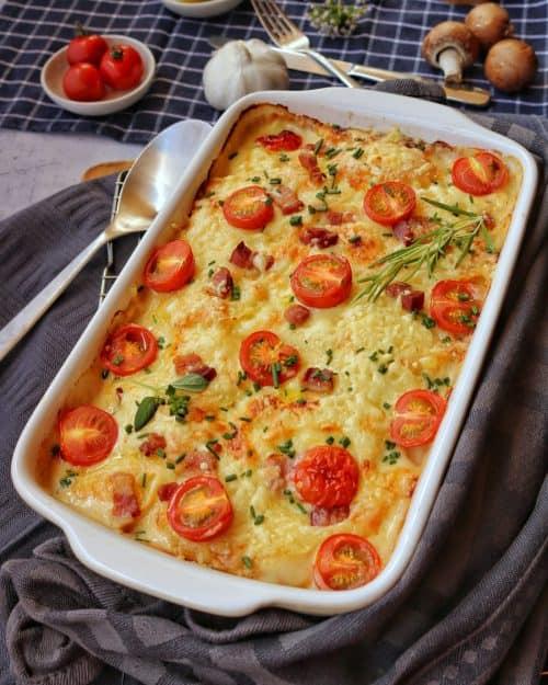 Kartoffel-Kohlrabi Gratin mit Tomaten