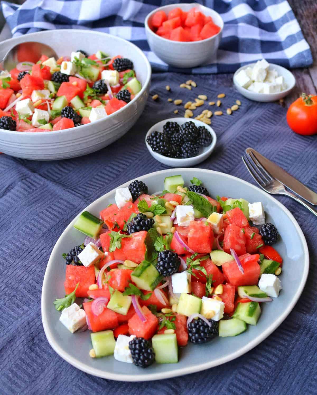 Melone-Feta Salat mit Brombeeren