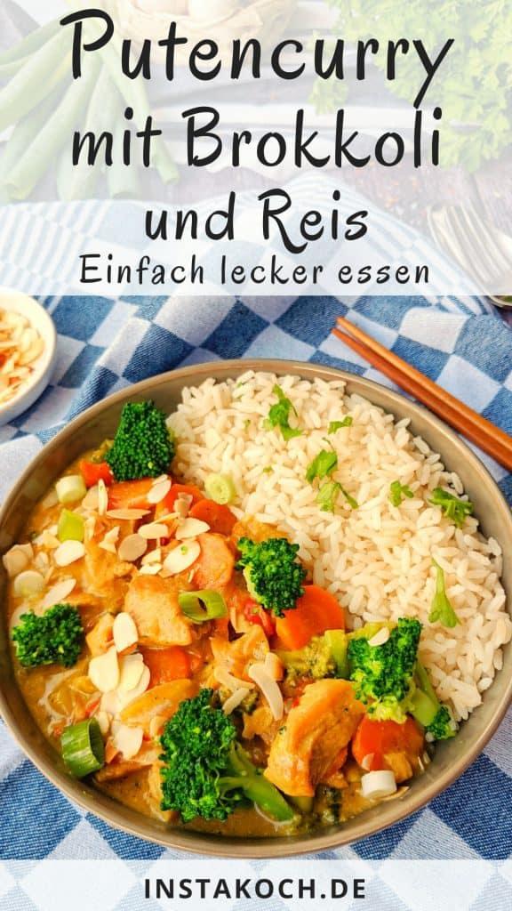 Ein Teller mit Putencurry mit Brokkoli Mandeln und Reis