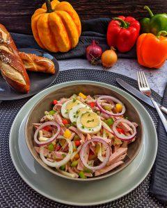 Wurstsalat mit Käse – Einfach und lecker